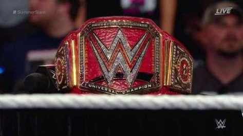 wwe-universal-champion-belt-195841-1472104548-800