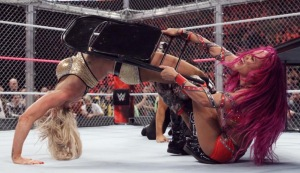 charlotte-vs-sasha-hell-in-a-cell