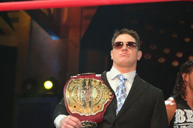 Eladó az eredeti TNA Legends Championship!