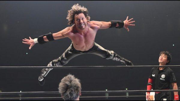 A WWE mindent bevet, hogy megszerezze Kenny Omega-t!