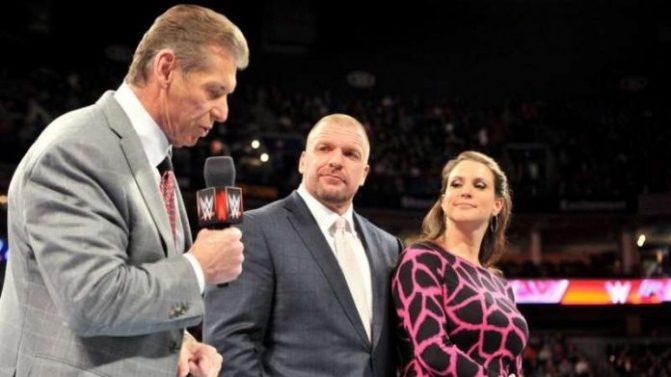 Vince McMahon és Triple H eltérő véleménnyel bír arról, hogy ki távozzon a WrestleMania 35-ről, mint Universal Champion!