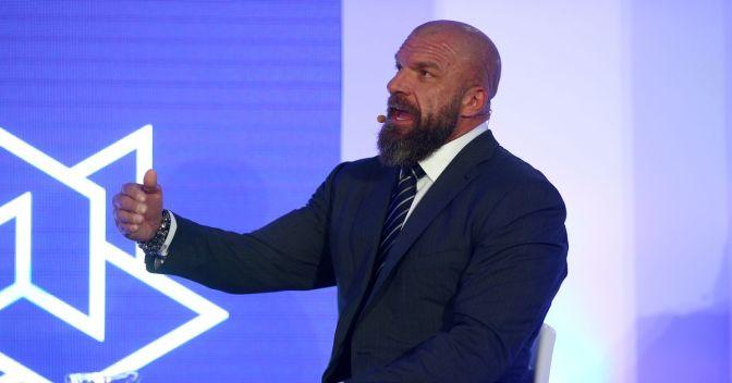 Triple H edzésbe állt!
